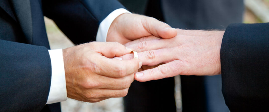 How to buy the perfect gay wedding ring